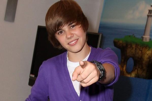 Justin Bieber Medium Straight Hairstyle