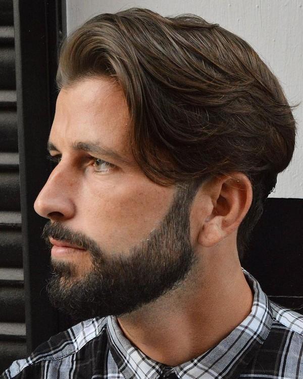 Best Hairstyles for Men Growing Their Hair