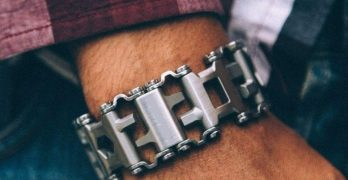 This Multifunctional Tools Bracelet Is The Ultimate DIY Survival Item You Need!