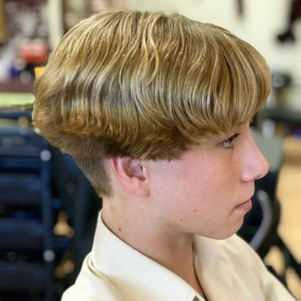 modern wavy bowl cut for boys