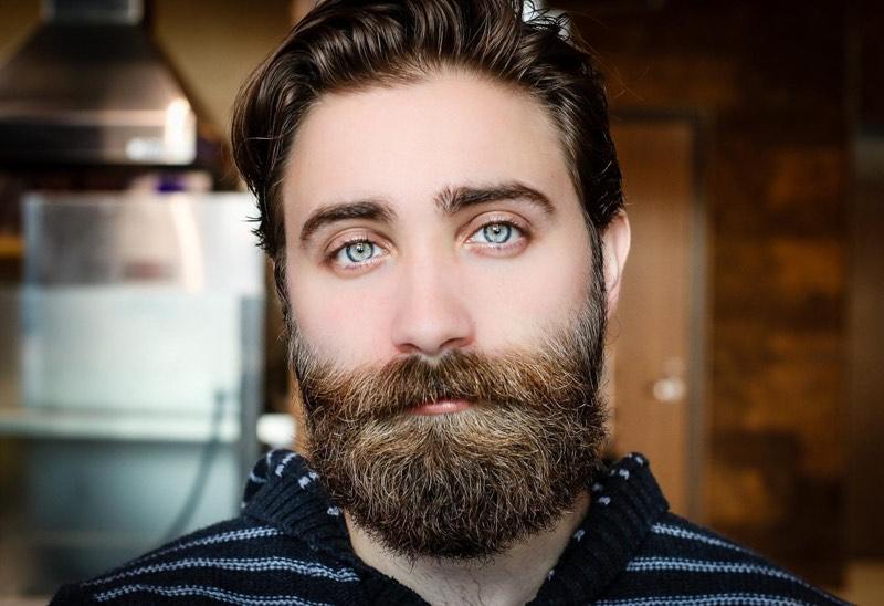 beard oil uses shinny beards